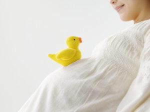 お口の中の菌は赤ちゃんに移る?